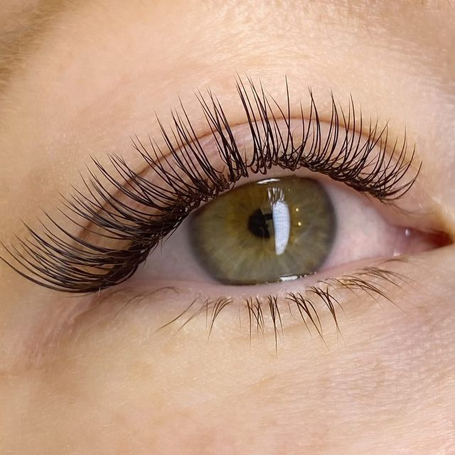 Natural Flare Lashes Retouch